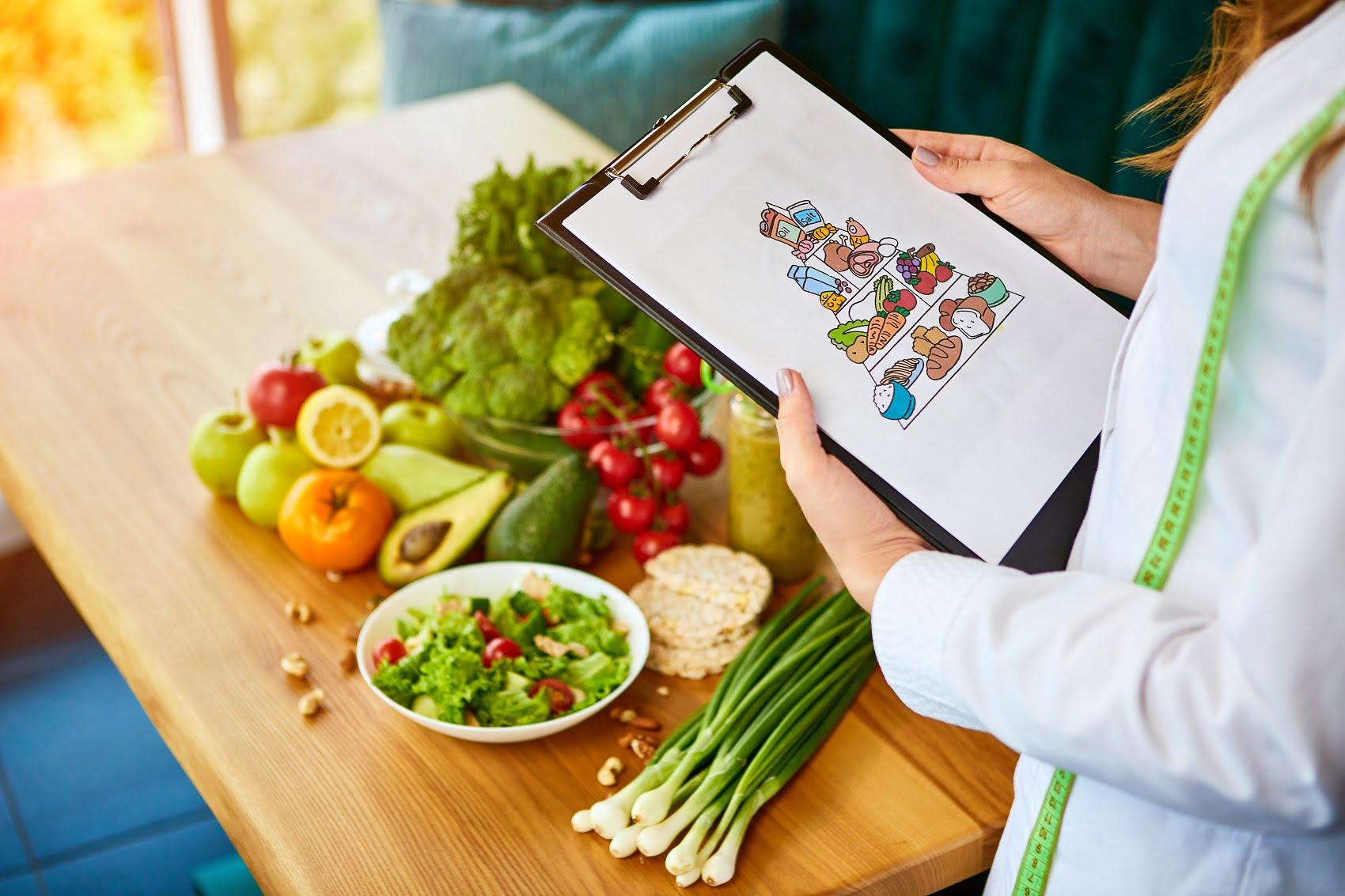 Θέσε τις σωστές βάσεις διατροφής κι ευζωίας με την ειδικότητα του ΙΕΚ Ωμέγα!